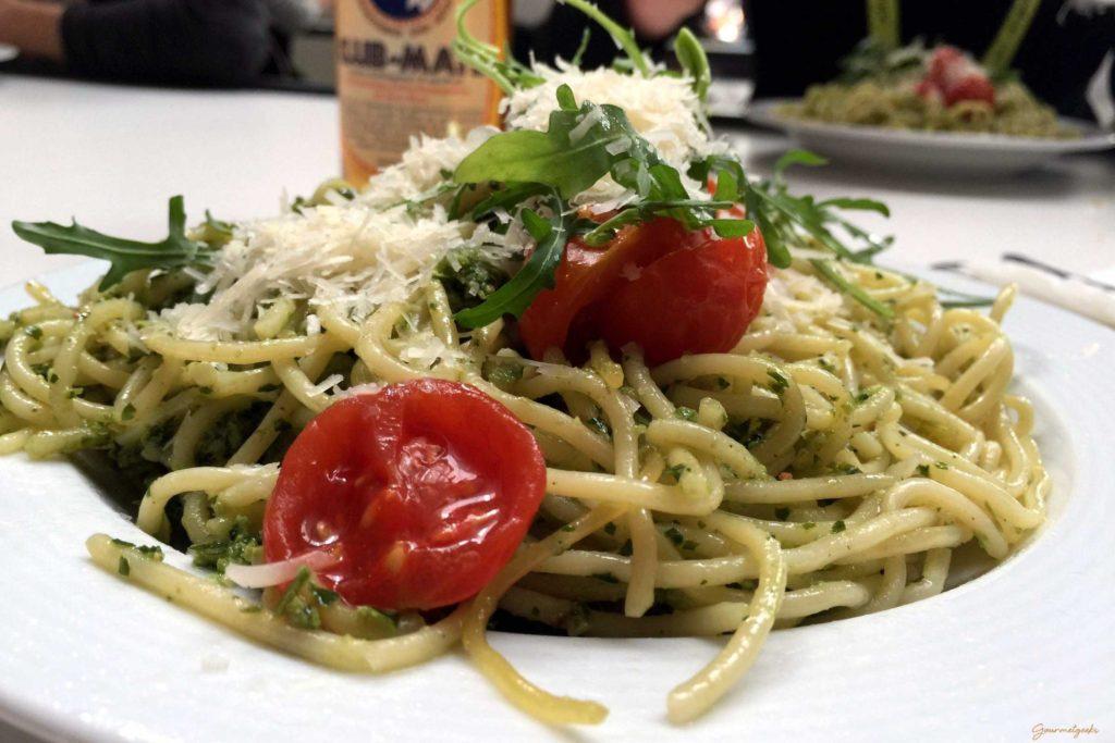 Spagetti mit Parmesan und so