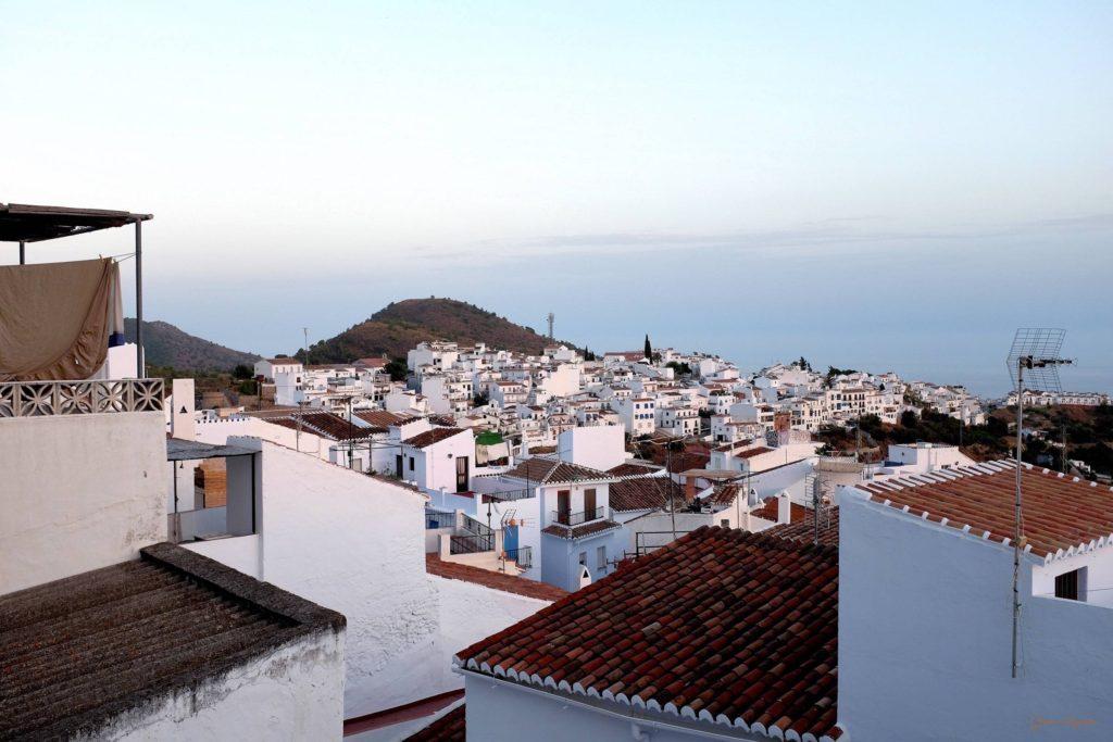 View: Frigiliana und Meer