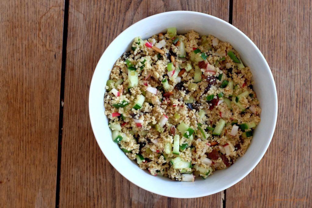 Fertiger Couscous Salat. Warm und kalt ein Genuss!