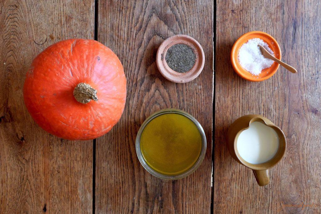 Die Zutaten für die Kürbissuppe