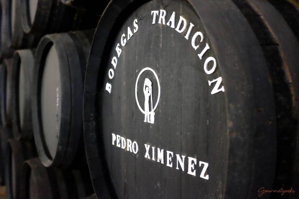 Der Pedro Ximenez reift in Holzfässern im Criadera y Solera Verfahren