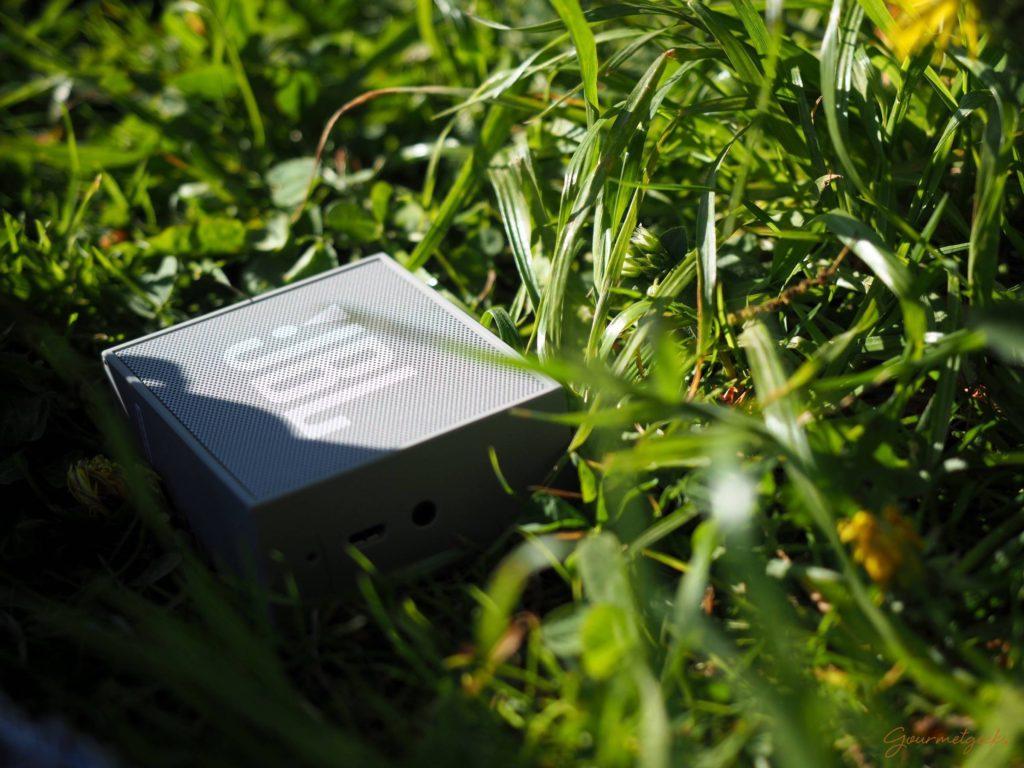 Klein aber oho. Mobiler Musikgenuss via Smartphone und Bluetooth-Box. Für ca. 25. Euro zu haben.