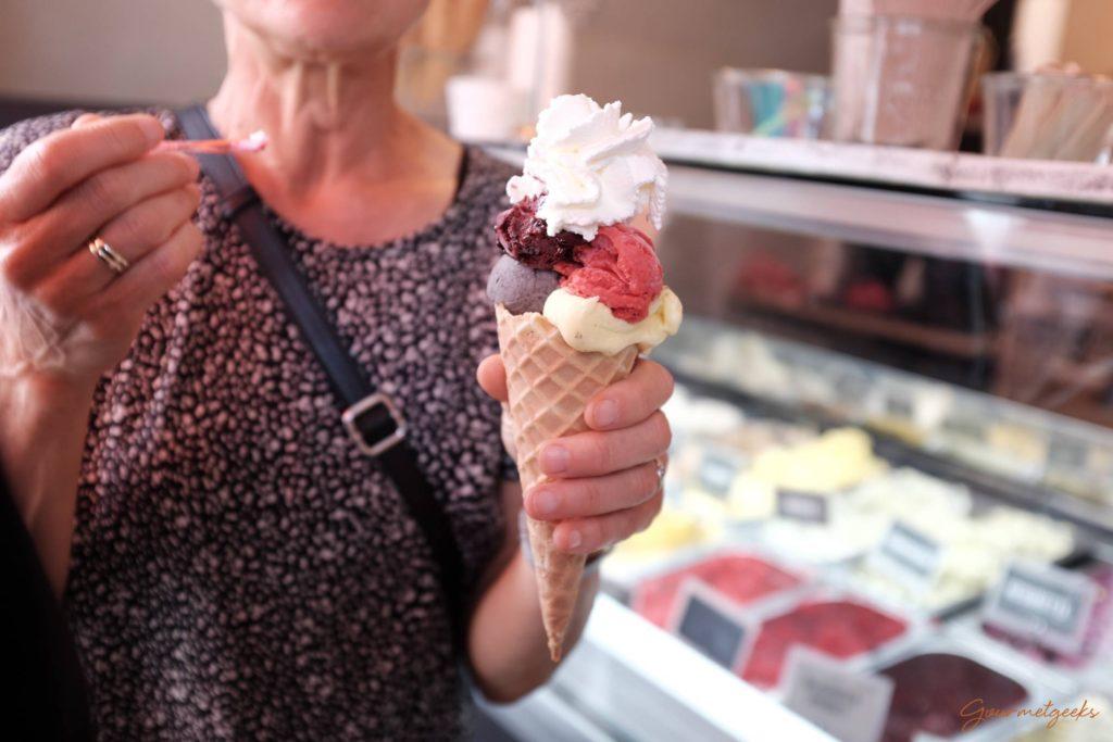 Grandioses selbst gemachtes Eis direkt auf die Hand