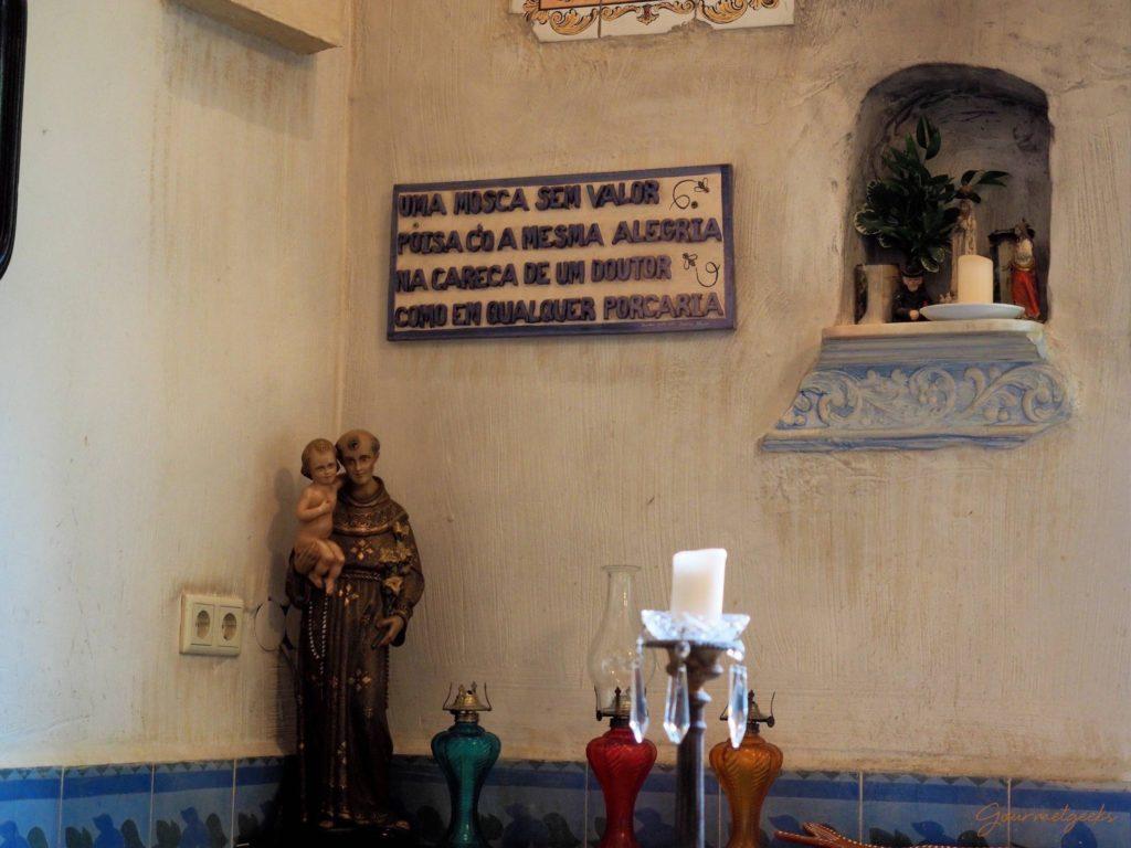 Eine Wand für Heilige