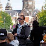 Der Captain erklärt Amsterdam
