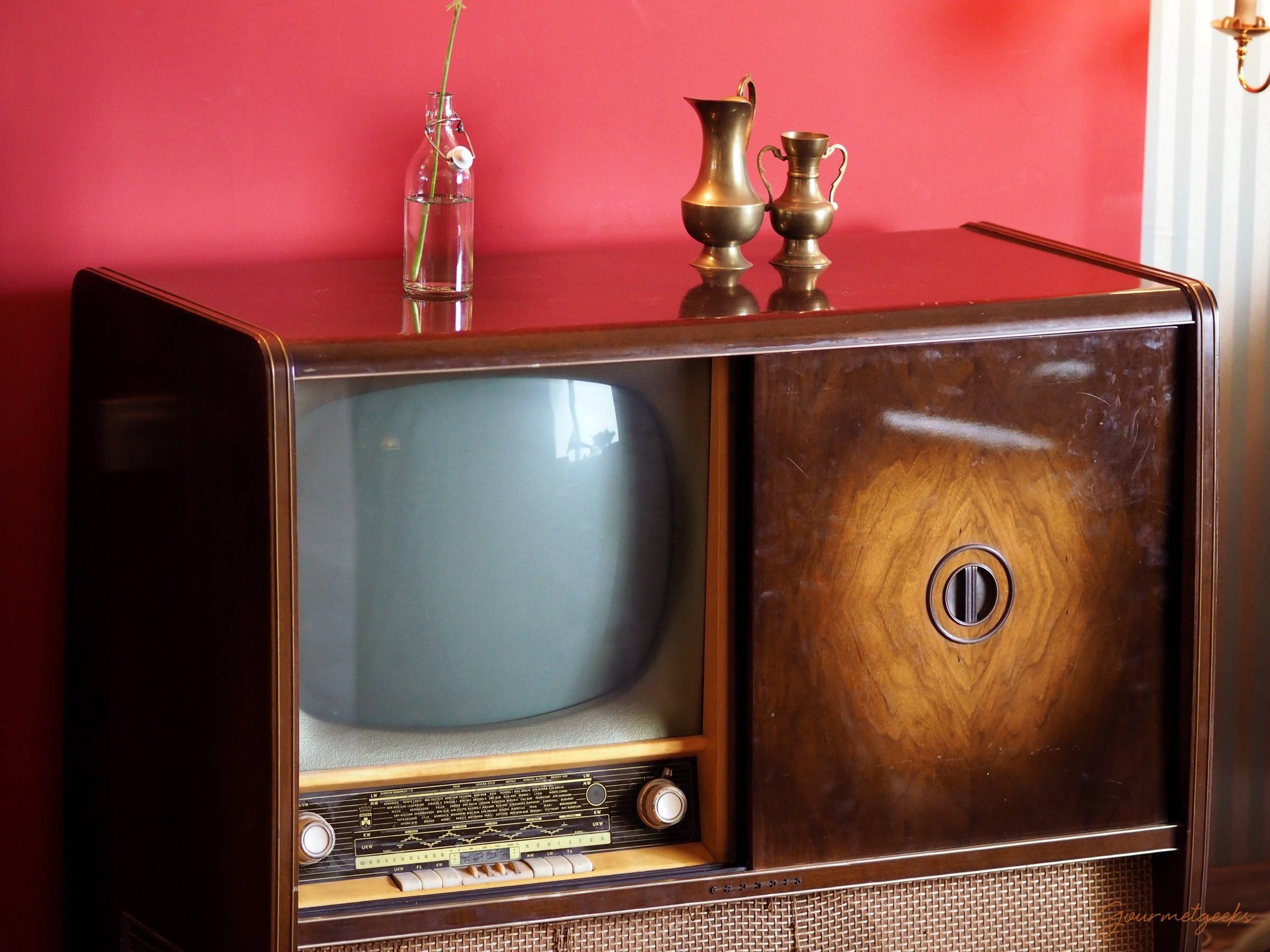 Vintage Fernsehschränckchen