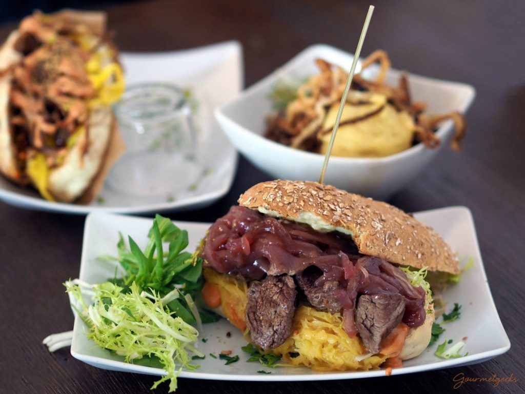 Fette Kuh, Pfälly Cheese Steak und dazu Kartoffelpüree