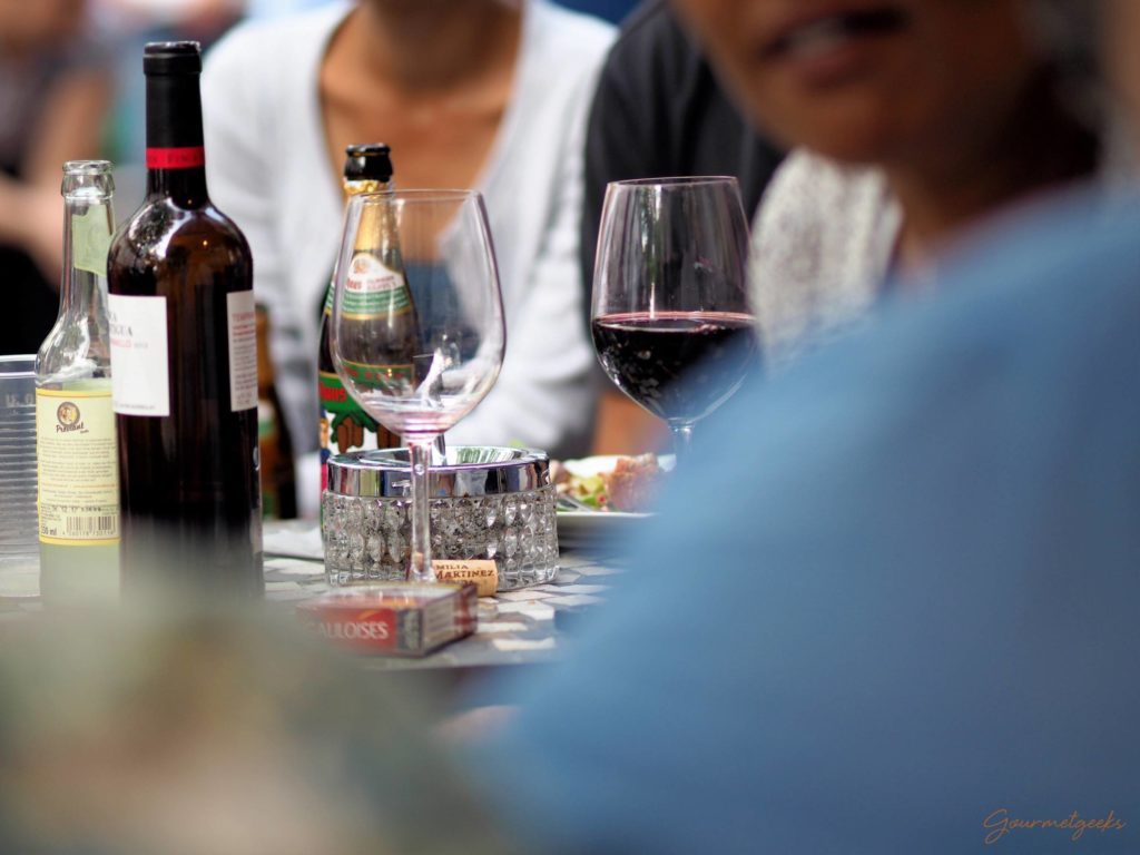 Wein, Bier & GauloisesWein, Bier & Gauloises